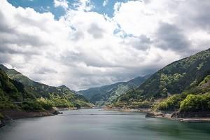 穏やかな湖画像