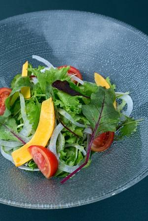 ベジファーストダイエットに良さそうなサラダの画像です。