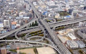 大阪府東大阪市の高速道路ジャンクション
